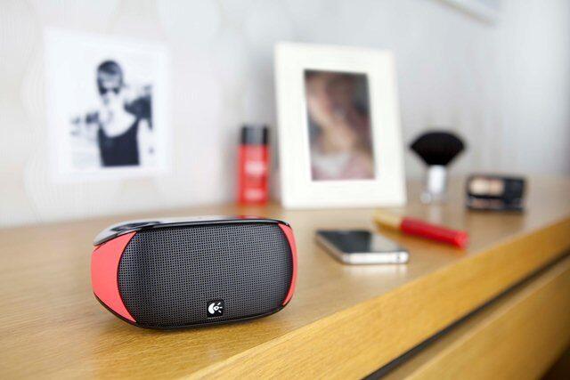 Мобилните колонки Logitech Mini Boombox са вече на родния пазар