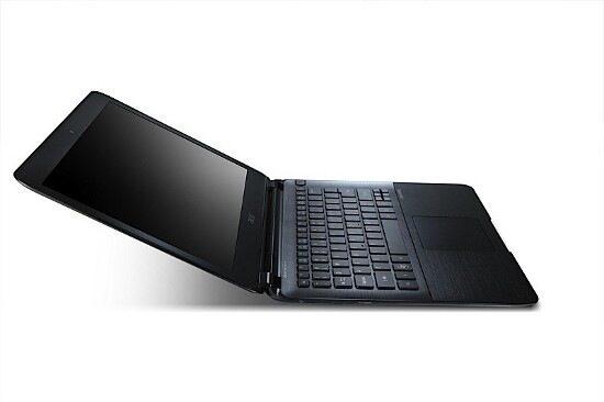 Нов тънък ултрабук ще покаже Acer на CES 2012