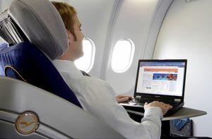 От 2010 г. Lufthansa пак пуска безжичен И'нет по време на полет