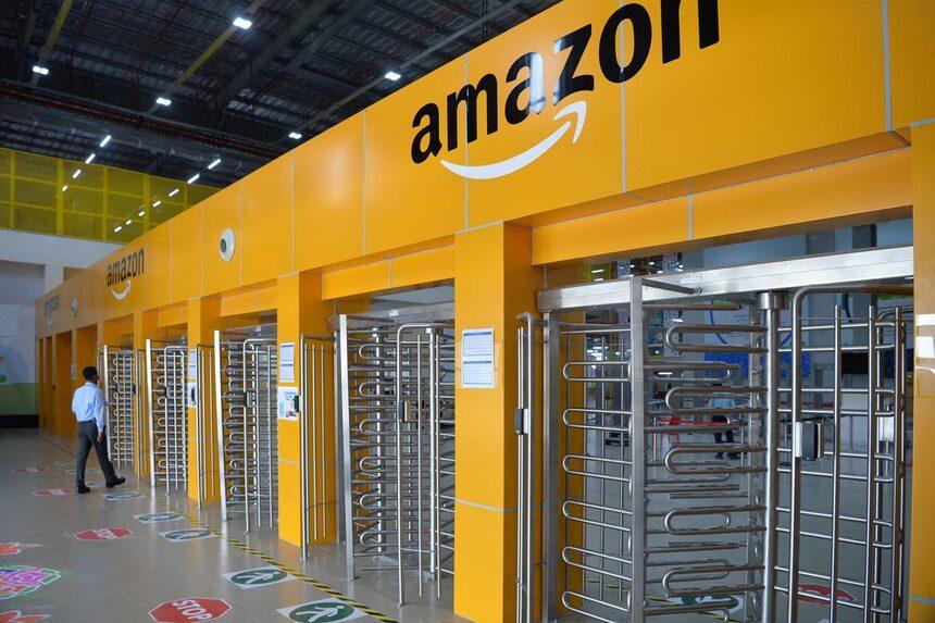 Amazon засилва присъствието си на индийския пазар за търговия на дребно
