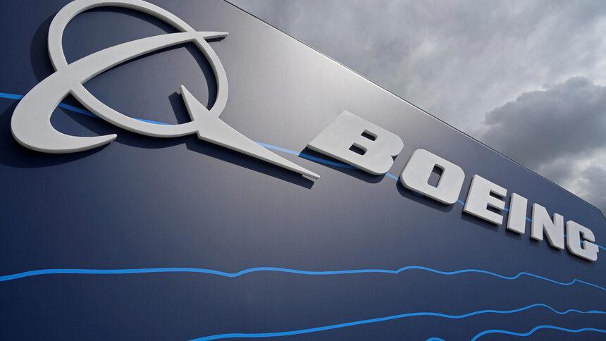 Boeing изпревари Airbus на авиошоуто във Фарнбъроу тази седмица