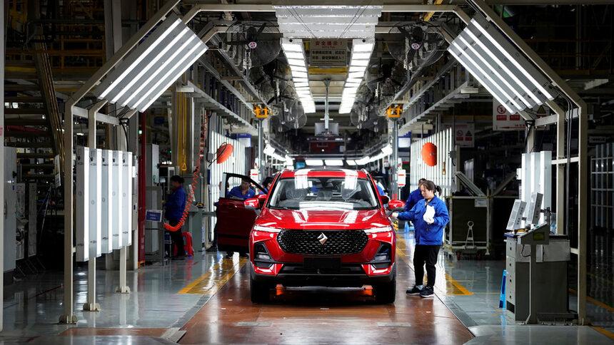 През последното тримесечие продажбите на произвеждания от GM за китайския пазар достъпен модел Baojun са се сринали с 34.9%